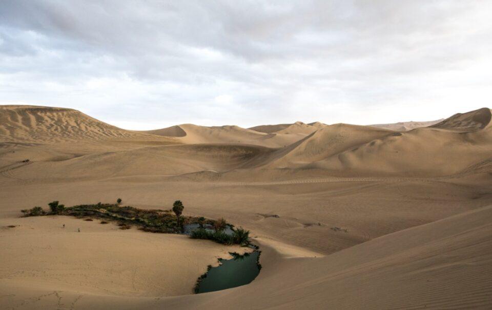 huacachina oasis desert