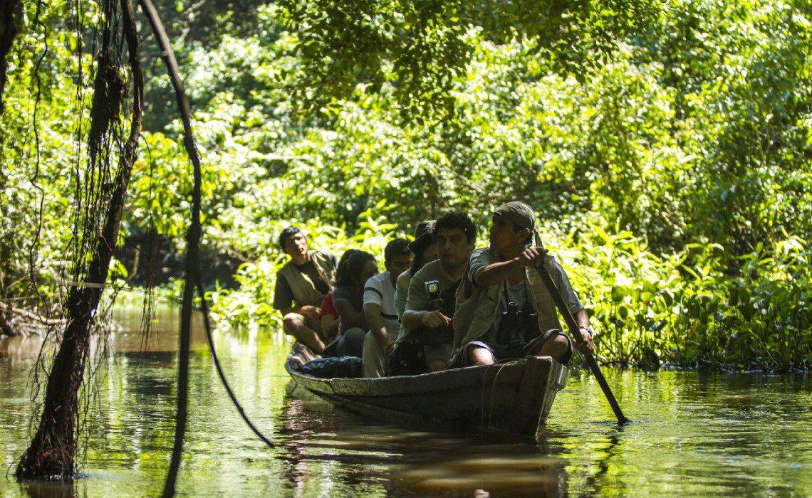 tourists amazon peru