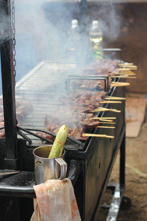 street-food-anticuchos-Peru