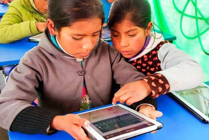 peruvian-students